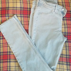 4 Pairs of H&M NEVER WORN Jeans $10 Size 29